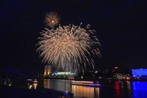 Linz Donau in flammen 2014 (1).jpg