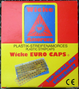 Wicke Streifenamorces Display Front.JPG